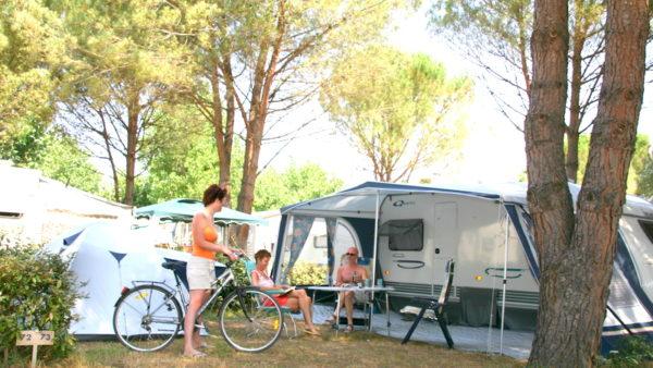 Emplacement tente camping Roquebrune sur argens