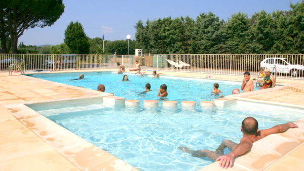 Friendliness swimming pool Camping de Vaudois